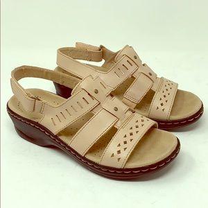 Clarks Lexi Qwin Leather Sandals Blush size 5.5M